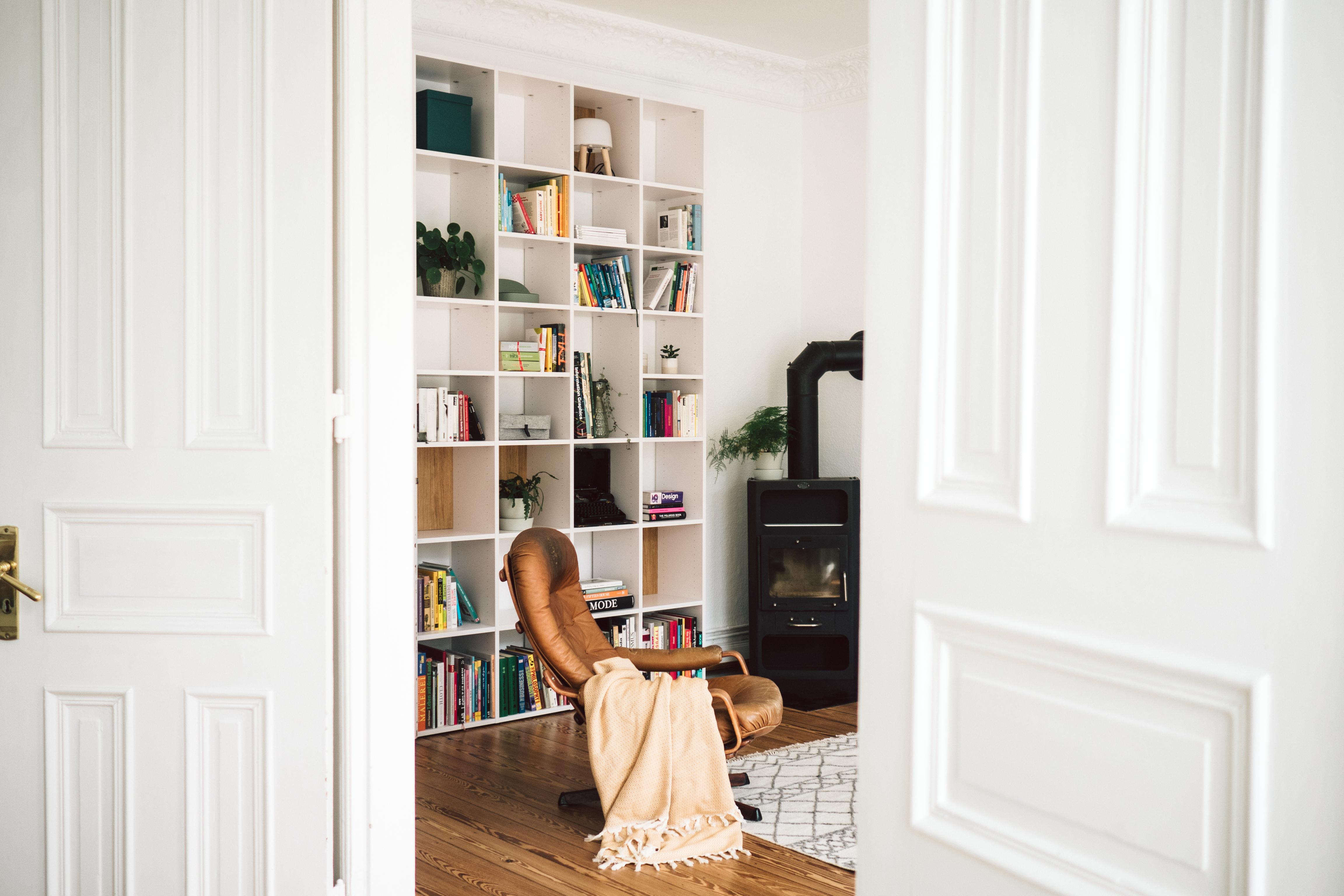 wohnzimmer update mein traum von b cherregal paulsvera. Black Bedroom Furniture Sets. Home Design Ideas