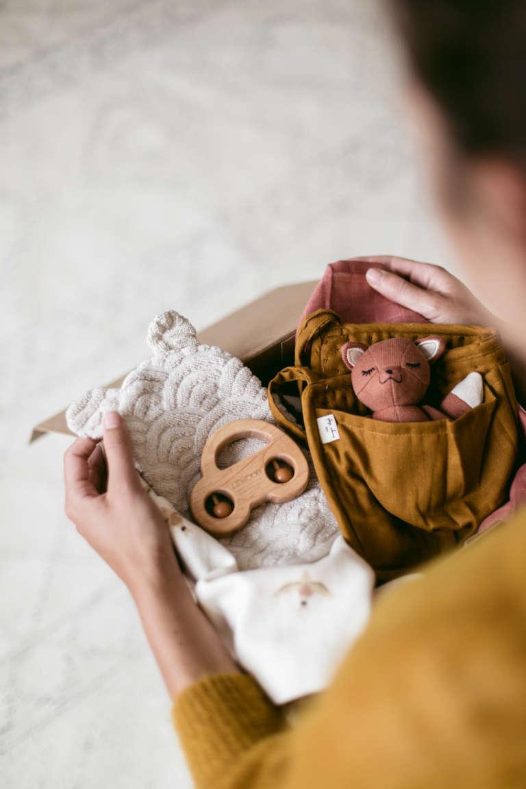 Babyshower Geschenk Druckvorlage Printables Regensbogen Geschenkideen Babies Zur Geburt Kyddo Paulsvera 2