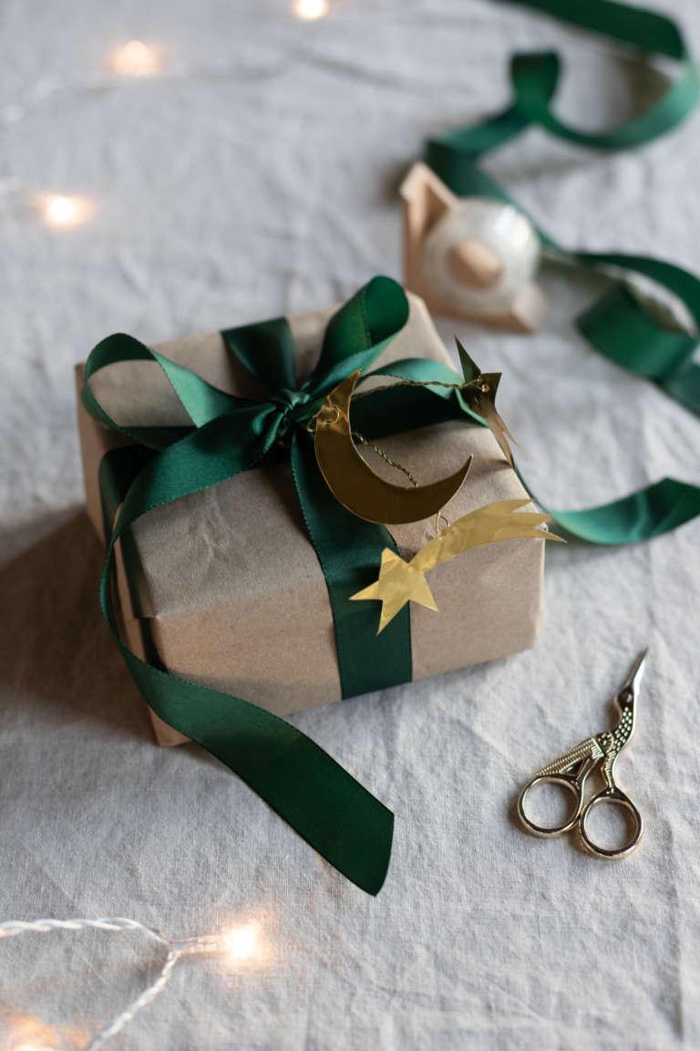 DIY Bastel idee weihnachten deko metallpapier gold studiovea 25
