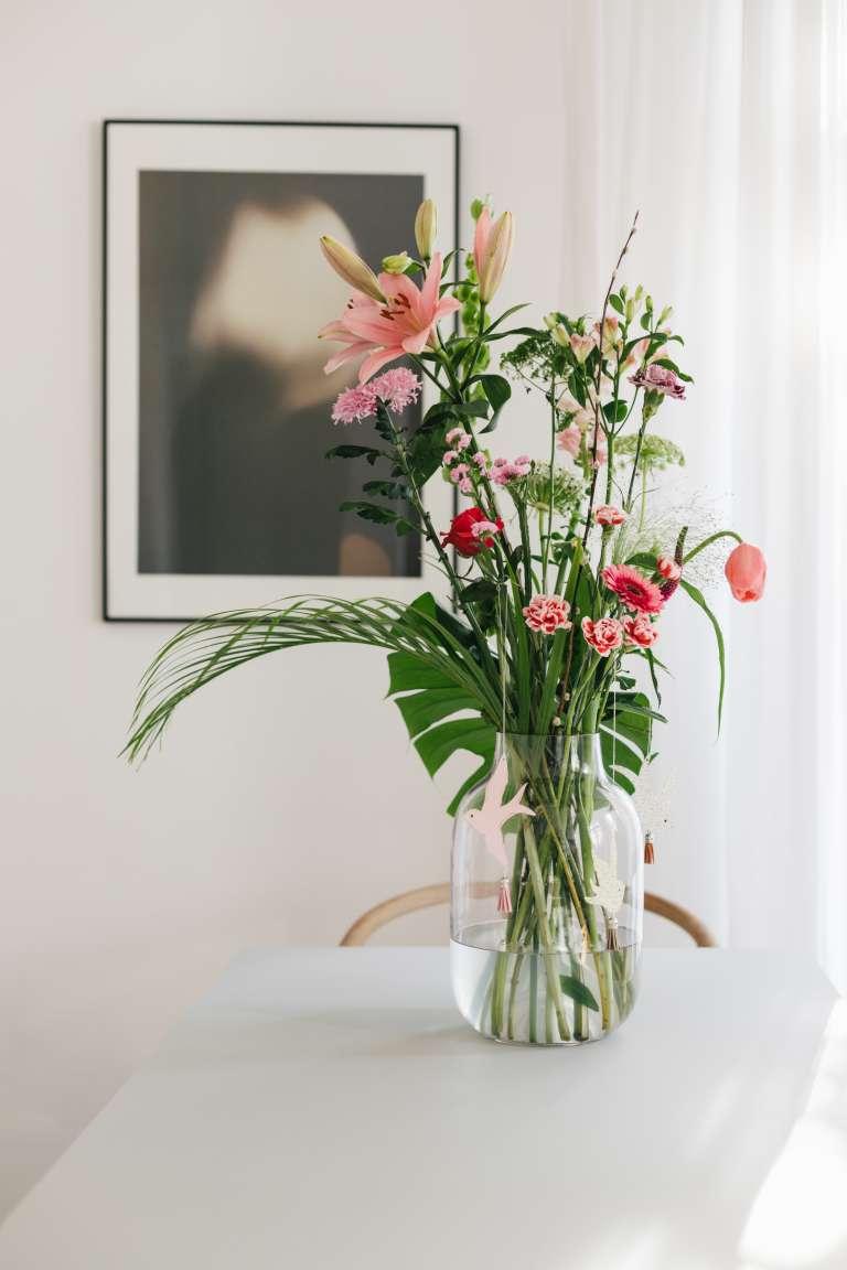 DIY Fruhlingsdeko osterdeko Schwalben Deko Papier bloomon Blumen liefern 13