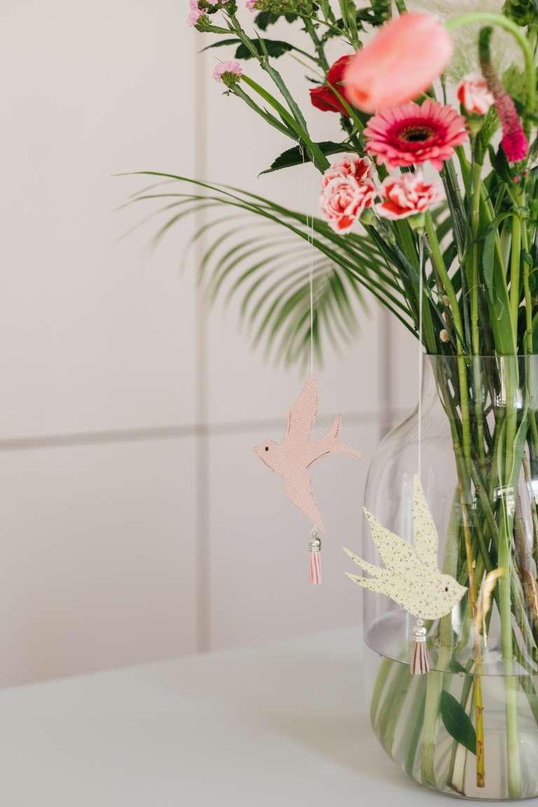 DIY Fruhlingsdeko osterdeko Schwalben Deko Papier bloomon Blumen liefern 7