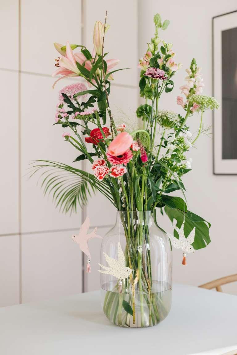 DIY Fruhlingsdeko osterdeko Schwalben Deko Papier bloomon Blumen liefern 8