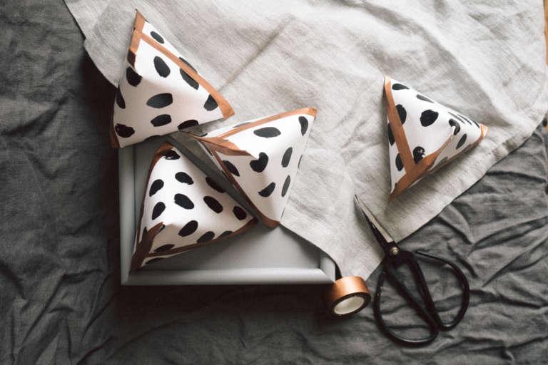 Diy Ideen Geschenke Verpacken Dreieckstuten Tetraeder Kleinigkeiten Unformige Geschenke Verpacken Paulsvera 9