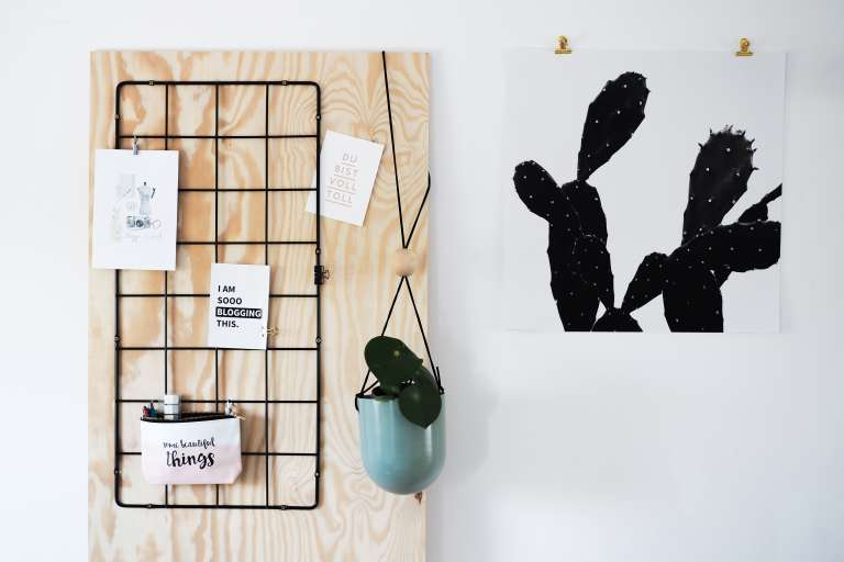 ikea hack diy wand organizer paulsvera. Black Bedroom Furniture Sets. Home Design Ideas
