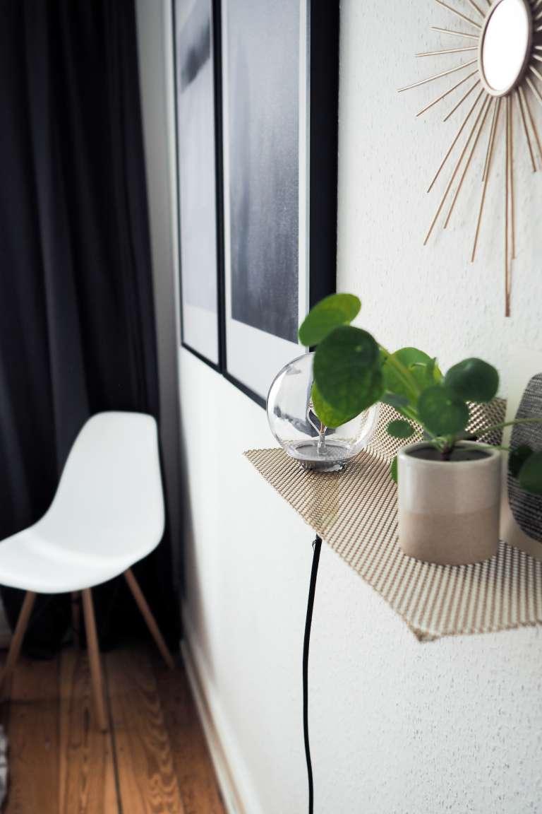 DIY Lampe DIY Deko DIY Ideen für Zuhause DIY Home goldenes Wandregal mit Leuchte in Schlafzimmer DIY Blog Interior Blog paulsvera