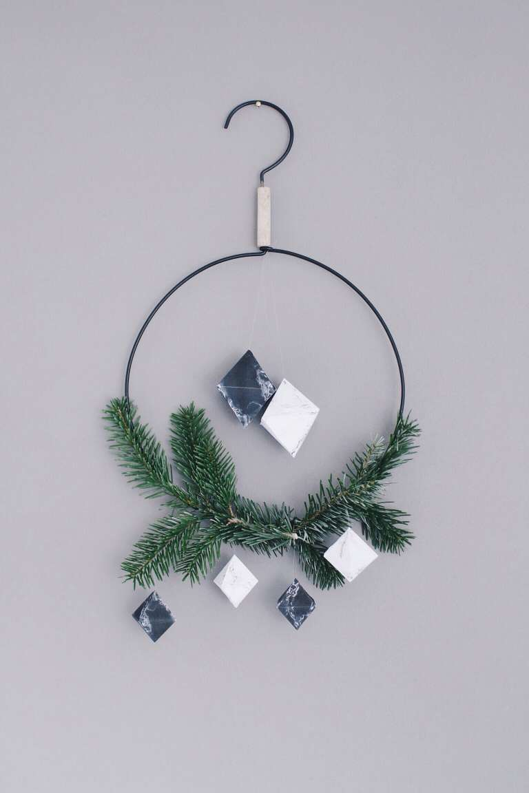 Diy Freebie Marmor Anhaenger Baumschmuck Weihnachten Selber Machen Trend Marmoriert Papierdiamant Anleitung Blog Paulsvera 6