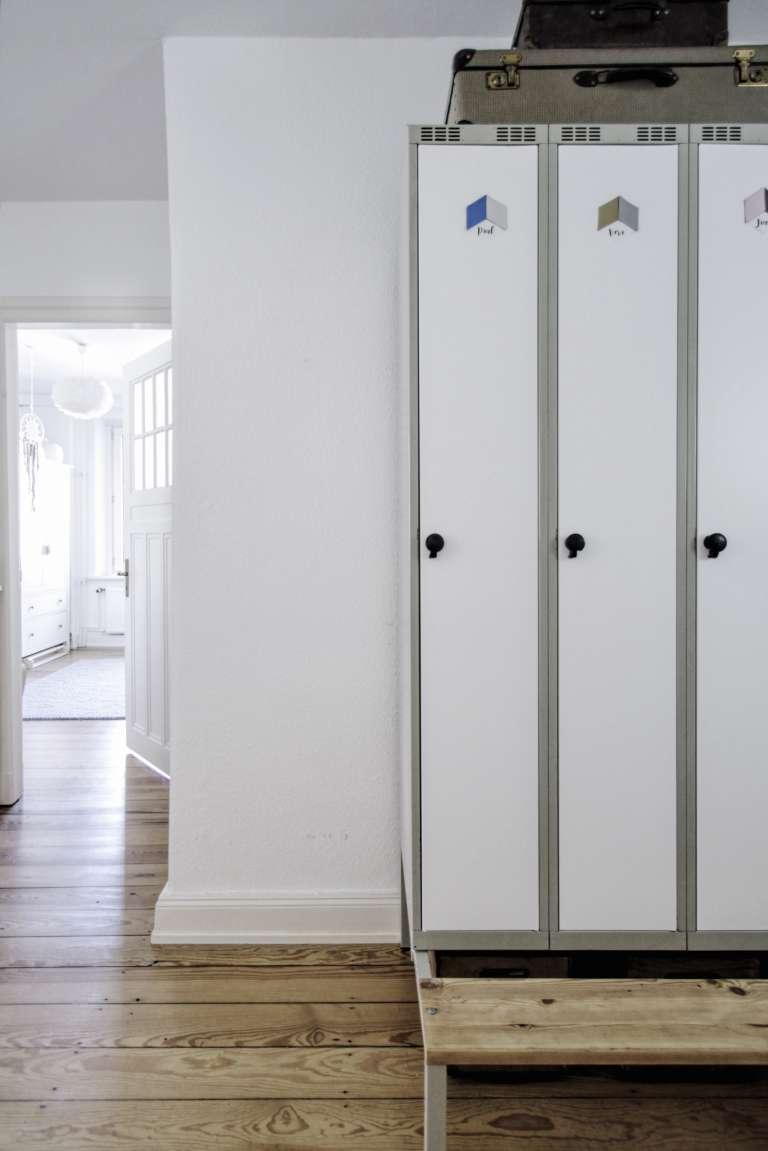 Seid Ihr Auch Auf Der Suche Nach Einer Lösung Für Euren Flur? Hier Meine 10  Gründe Warum Ein Spind Das Perfekte Flurmöbel Für Kleine Wohnungen Ist: