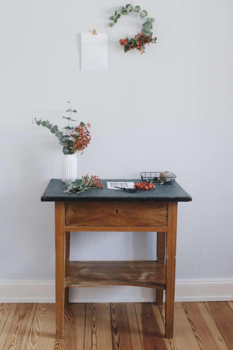 Herbstkranz selber binden_Eukalyptus Hagebutte_Paulsvera_3