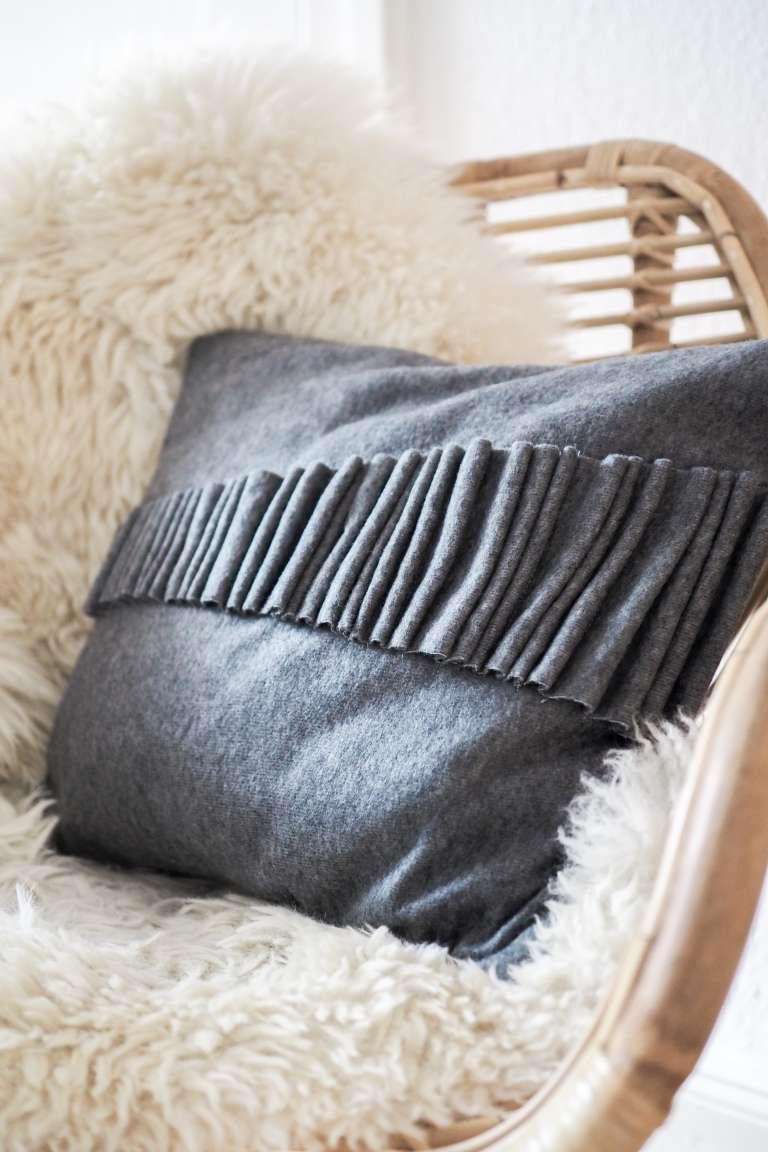 ikea hack skulpturales 3d kissen paulsvera. Black Bedroom Furniture Sets. Home Design Ideas