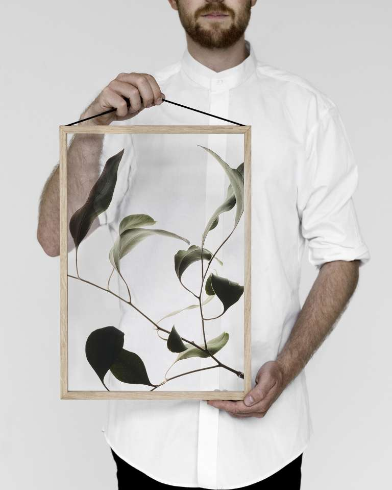 Moebe Frame Oak Paper Colletive Print 1 Low Res