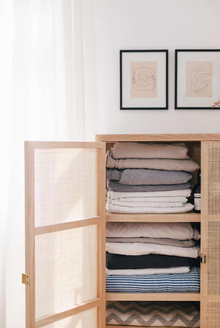 Ordnung Im Schlafzimmer Tipps Tricks Mehr Ordnung Kleiderschrank Klamotten Falten Bettlaken Falten Paulsvera 36