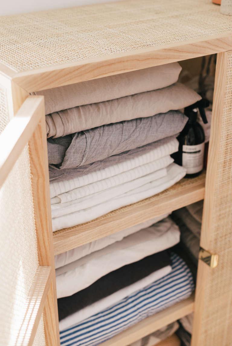 Ordnung Im Schlafzimmer Tipps Tricks Mehr Ordnung Kleiderschrank Klamotten Falten Bettlaken Falten Paulsvera 37
