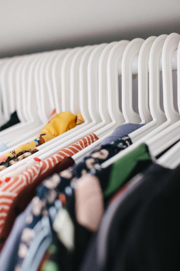 Ordnung Im Schlafzimmer Tipps Tricks Mehr Ordnung Kleiderschrank Klamotten Falten Bettlaken Falten Paulsvera 9