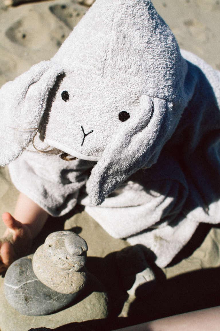 Urlaub-mit-kindern-Strandurlaub-Badeponcho-Poncho-Strandaccessoires-Kapuzenhandtuch-mit-Tierohren-paulsvera
