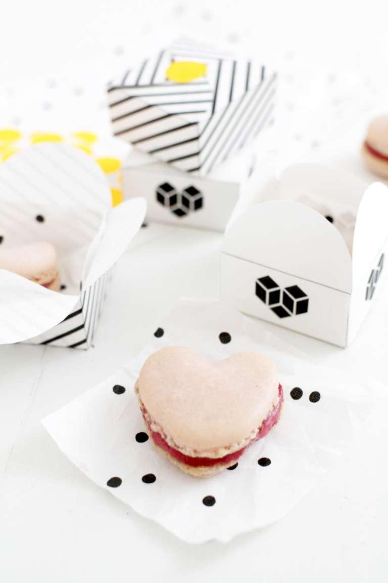 Valentinstag Himbeer Macarons In Herzform 1