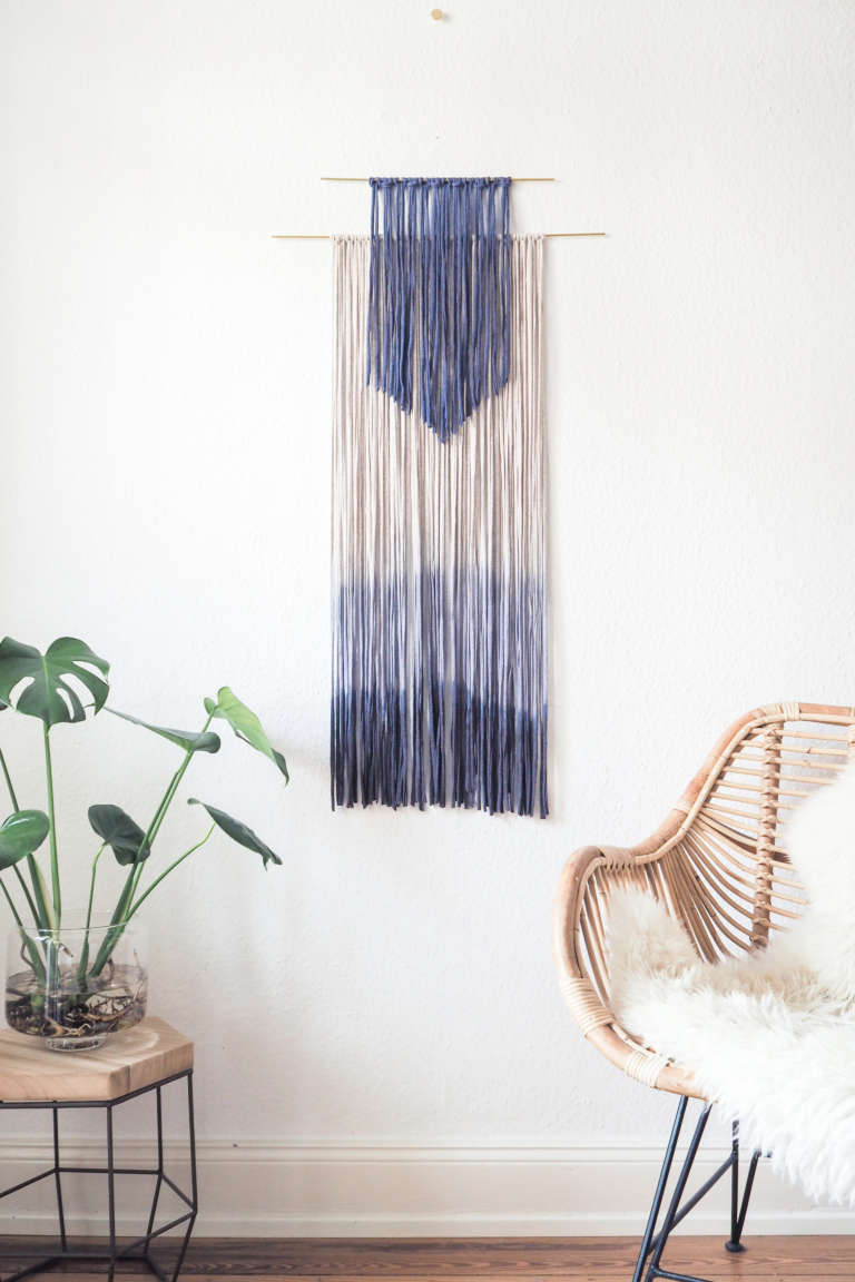 diy wanddeko selber machen dip dye wall hanging obsigen. Black Bedroom Furniture Sets. Home Design Ideas