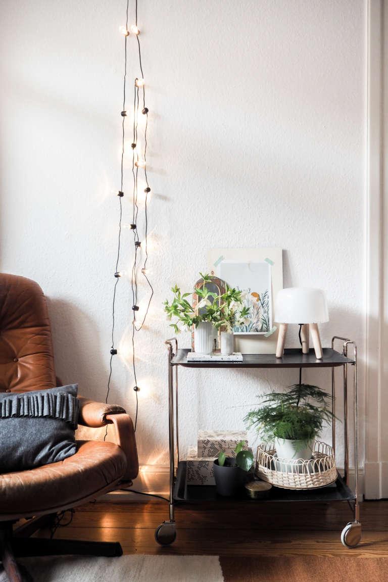 Wohnzimmer-Einrichten-Inspiration-Bartisch-Teewagen-Milk-andtradition-&tradition-skandivavisches-Design-Lampe-Wohnzimmer-DIY-Home-Deko-Interior-paulsvera