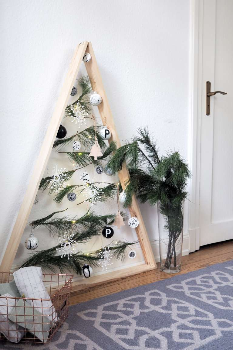 diy weihnachts baum aus holz paulsvera. Black Bedroom Furniture Sets. Home Design Ideas