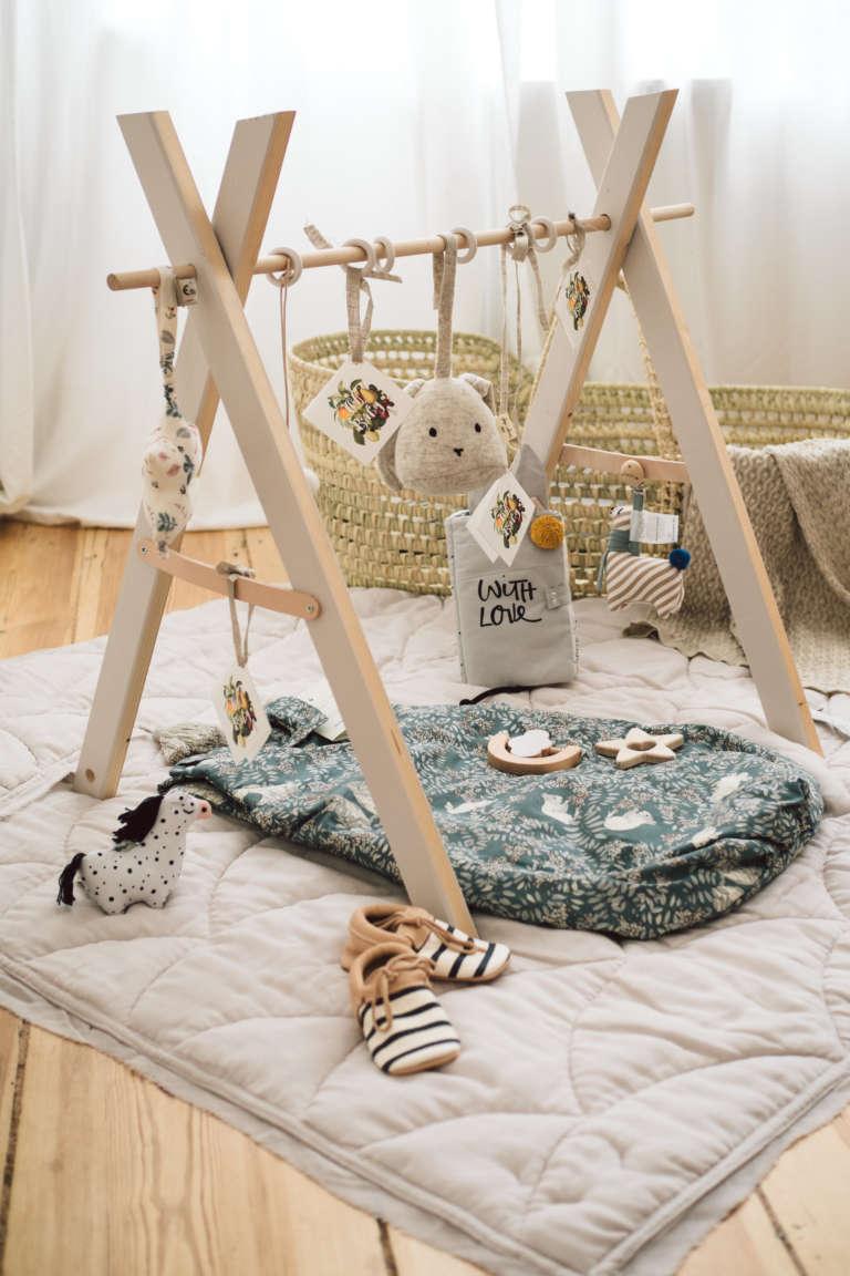 Kyddo Babyshower Ideen Geschenke Zur Geburt Ideen Babyparty Oekologisch Nachhaltige Geschenke Diy Spielbogen Selbermachen Aus Holz Paulsvera 16