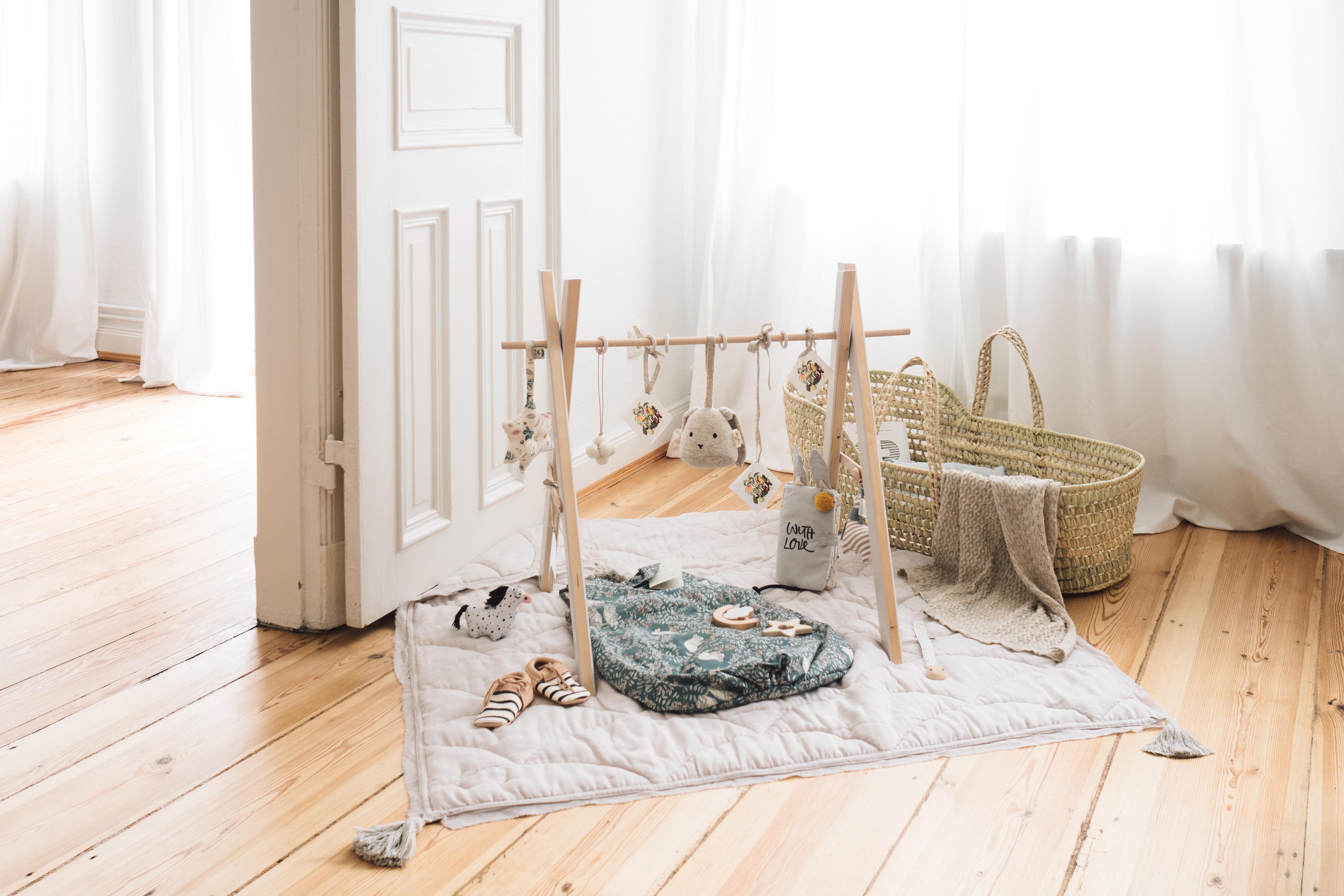 Babyshower geschenkidee mit diy spielbogen paulsvera for Baby shower ideen